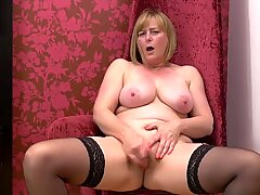 Mature gorgeous mothers wants your cock
