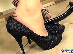Milf Diana s Hot Pantyhose Show - Diana Hot